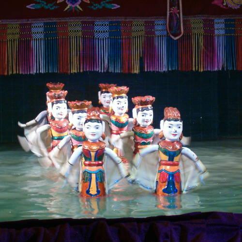 ทัวร์เวียดนาม ฮานอย ซาปา  การแสดงหุ่นกระบอกนํ้า หรือ โชว์หุ่นกระบอกน้ำ