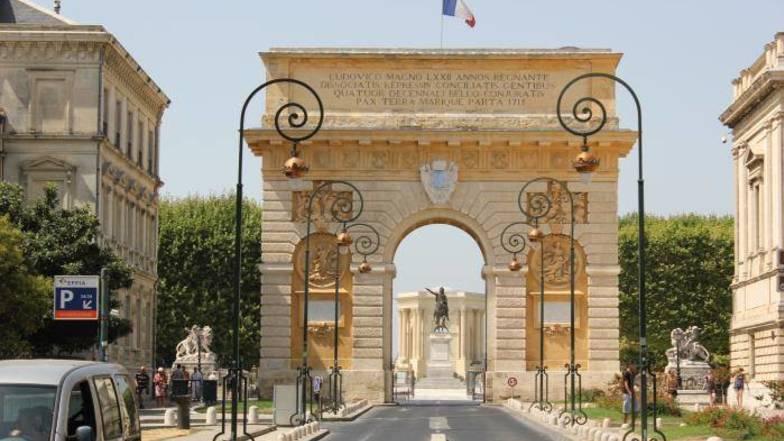 ประตูชัย Porte du Peyrou