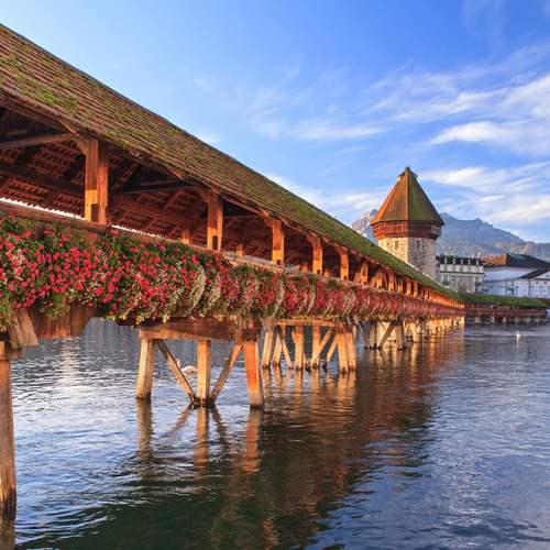 สะพานคาเปล หรือ  สะพานไม้ลูเซิร์น ชาเปล บริดจ์   ทัวร์สวิตเซอร์แลนด์