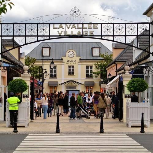 ทัวร์ฝรั่งเศส อิตาลี สวิส ฝรั่งเศส La Vallee Village