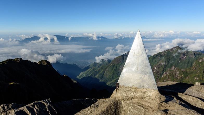 เทือกเขาฟานซีปัน