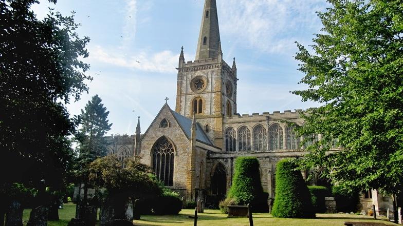 โบสถ์เก่าแก่ Holy Trinity