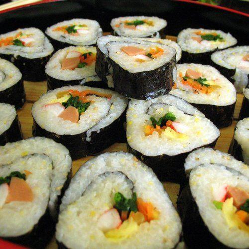 ทัวร์เกาหลี กรุงโซล เรียนทำข้าวห่อสาหร่าย คิมบับ