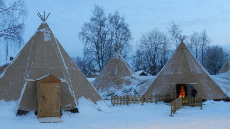 หมู่บ้านซามิ ประเทศรัสเซีย
