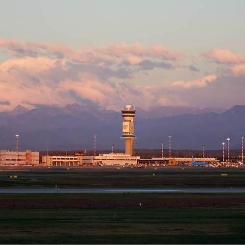 ทัวร์อิตาลี อิตาลี สนามบินมิลาน