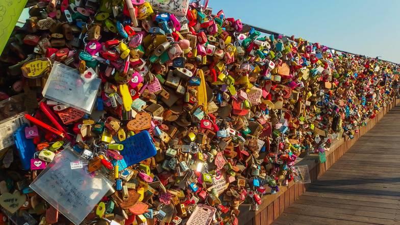 การคล้องกุญแจคู่รักเกาหลี