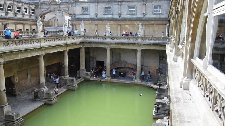 พิพิธภัณฑ์น้ำแร่ร้อนโรมัน