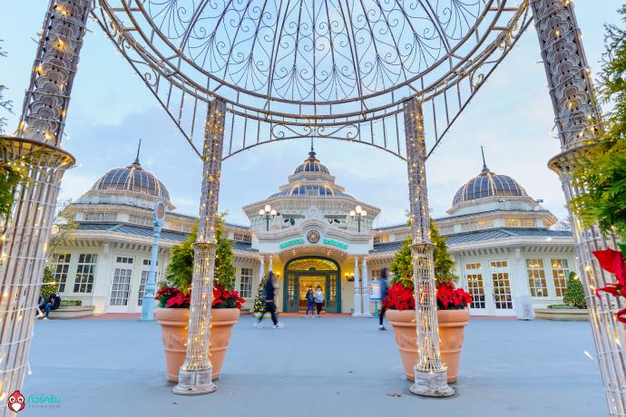 Beautiful architecture in Everland Resort