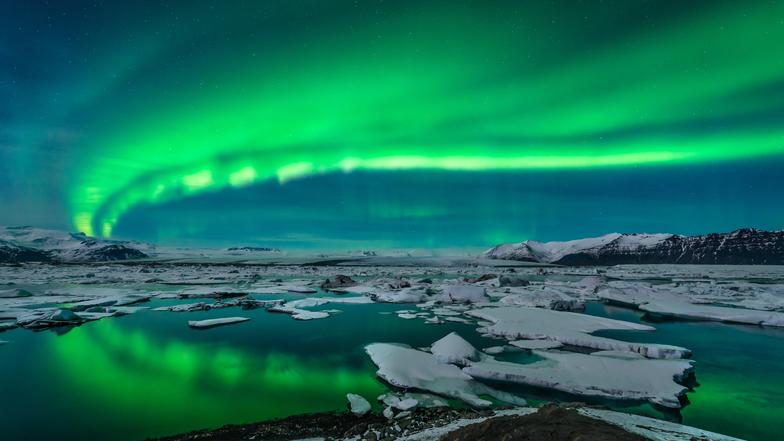 ทัวร์ยุโรปไอซ์แลนด์  กรุงออสโล 10 วัน 7 คืน ถ้ำน้ำแข็งแห่งวัทนาโจกูล  ขับสโนว์โมบิลตะลุยธารน้ำแข็งมียร์ดาลส์ บิน การบินไทย