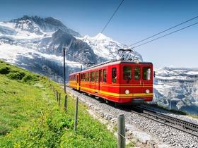 ทัวร์สวิตเซอร์แลนด์ 7 วัน 5 คืน  นั่งรถไฟขึ้นยอดเขาจุงฟราว จัตุรัสปราเดพลาทซ์ บิน  EK สวิส ทัวร์สวิตเซอร์แลนด์