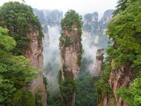 ทัวร์จีน จางเจียเจี้ย 4 วัน 3 คืน นั่งกระเช้าสัมผัสวิวเขาเทียนเหมินซาน  สะพานแก้วยาวที่สุดโลก บิน  FD จางเจียเจี้ย