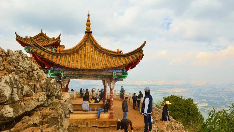 ัทัวร์จีน คุนหมิง ต้าหลี่ ลี่เจียง  6 วัน 5 คืน  ภูเขาหิมะมังกรหยก หุบเขาพระจันทร์สีน้ำเงิน บิน การบินไทย