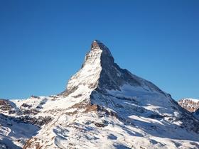 ทัวร์สวิตเซอร์แลนด์  9 วัน 6 คืน พิชิตยอดเขา Glacier 3000 ล่องเรือทะเลสาบสี่พันธรัฐ บิน TG สวิส วันหยุดเทศกาล เฉลิมพระชนมพรรษารัฐกาลที่ 10 วันอาสาฬหบูชา / วันเข้าพรรษา