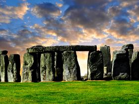 ทัวร์ยุโรป อังกฤษ สก๊อตแลนด์ เวลส์ 8 วัน 6 คืน  เสาหินสโตนเฮ้นจ์ ปราสาทเอดินเบิร์ก บิน BR อังกฤษ สก๊อตแลนด์ เวลส์ ทัวร์ วันแม่