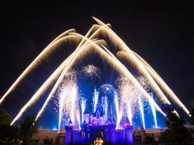 ทัวร์ฮ่องกง 3 วัน 2 คืน สวนสนุกดิสนีย์แลนด์  ขึ้นกระเช้านองปิง 360 องศา บิน HX ฮ่องกง