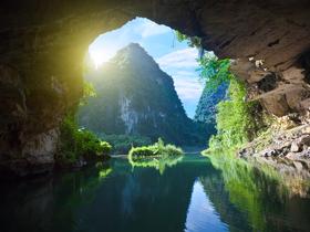 ทัวร์เวียดนาม ไฮฟอง นิงห์บิงห์ ฮานอย 3 วัน 2 คืน จัตุรัสบาดิงห์ ล่องเรือชมถ้ำตามก๊ก บิน VZ ฮานอย ฮาลอง