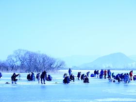 ทัวร์เกาหลี กรุงโซล 5 วัน 3 คืน เทศกาลตกปลาน้ำแข็ง พักสกีรีสอร์ท  บิน LJ  กรุงโซล