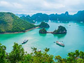 ทัวร์เวียดนาม ฮานอย ฮาลอง นิงบิงห์ 4 วัน 3 คืน พิพิธภัณฑ์โฮจิมินห์ ล่องเรือชมมรดกโลกอ่าว ฮาลองเบย์ ชมโชว์หุ่นกระบอกน้ำ บิน PG ฮานอย ฮาลอง