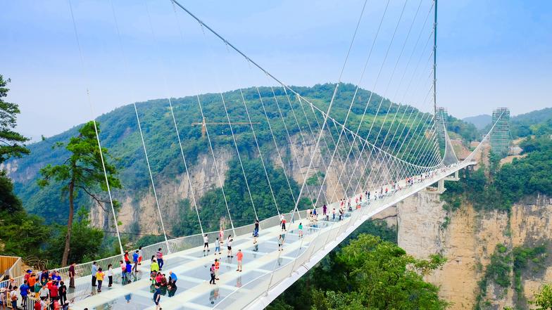 ทัวร์จีน จางเจียเจี้ย อู่ฮั่น 6 วัน 5 คืน ภูเขาเทียนเหมินซาน สะพานแก้ว ชมรูปปั้นกวนอูที่ใหญ่ที่สุดในโลก บิน China Southern Airlines