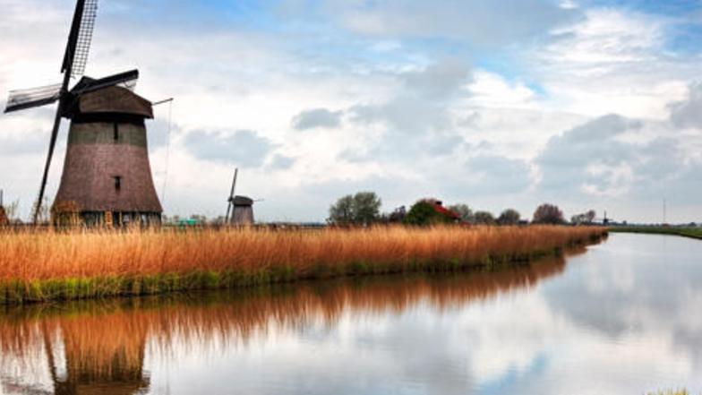 ทัวร์ยุโรปตะวันตก เบลเยี่ยม เนเธอร์แลนด์ 7 วัน 4 คืน หมู่บ้านกังหันลมฮอลแลนด์ ล่องเรือชมหมู่บ้านกีธูร์น บิน  การบินไทย