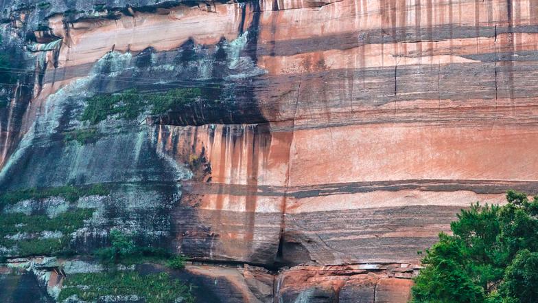 ทัวร์จีน ฉงชิ่ง ชื่อสุ่ย 3วัน 2คืน ผาหินแห่งพุทธ อุทยานมรดกโลกชื่อสุ่ย บิน ไทยสมายล์
