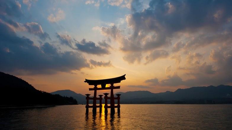 ทัวร์ญี่ปุ่น ฟุกุโอกะ โอซาก้า 6 วัน 4 คืน ชมศาลเจ้าอิสึคุชิมะ สะพานคินไตเคียว บิน การบินไทย