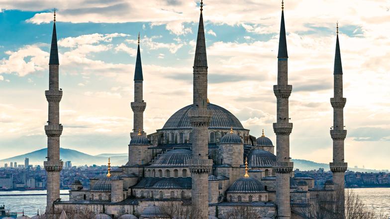 ทัวร์ตุรกี กรุงอิสตันบูล 8 วัน 5 คืน  พระราชวังโดลมาบาเซ่ นั่งเคเบิ้ลคาร์ชมวิหารเทพีอาร์เทมิสโบราณ บิน Turkish Airlines