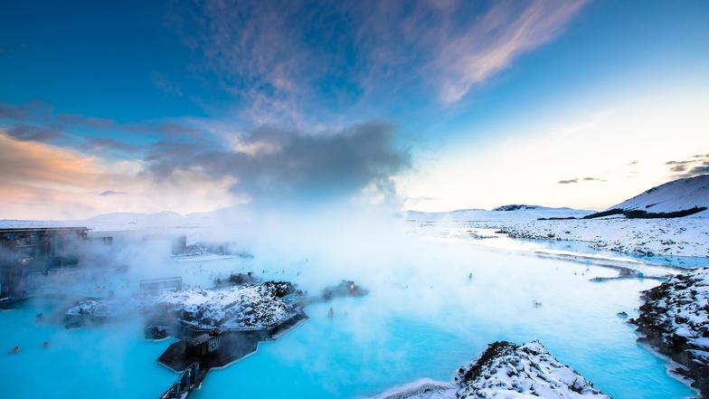ทัวร์ไอซ์แลนด์ เรคยาวิก บอร์กาเนส 10 วัน 7 คืน น้ำตกกูลล์ฟอสส์ อาบน้ำแร่บลูลากูน ขับสโนว์โมบิล บิน การบินไทย